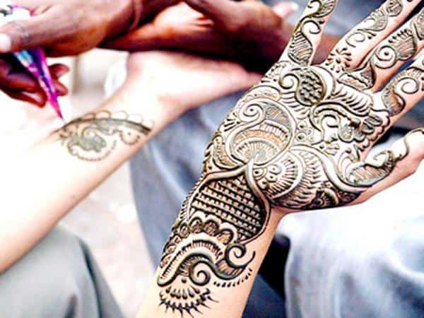 Mehndi For Karwa Chauth : Awesome arabic mehndi design for karwa chauth makedes